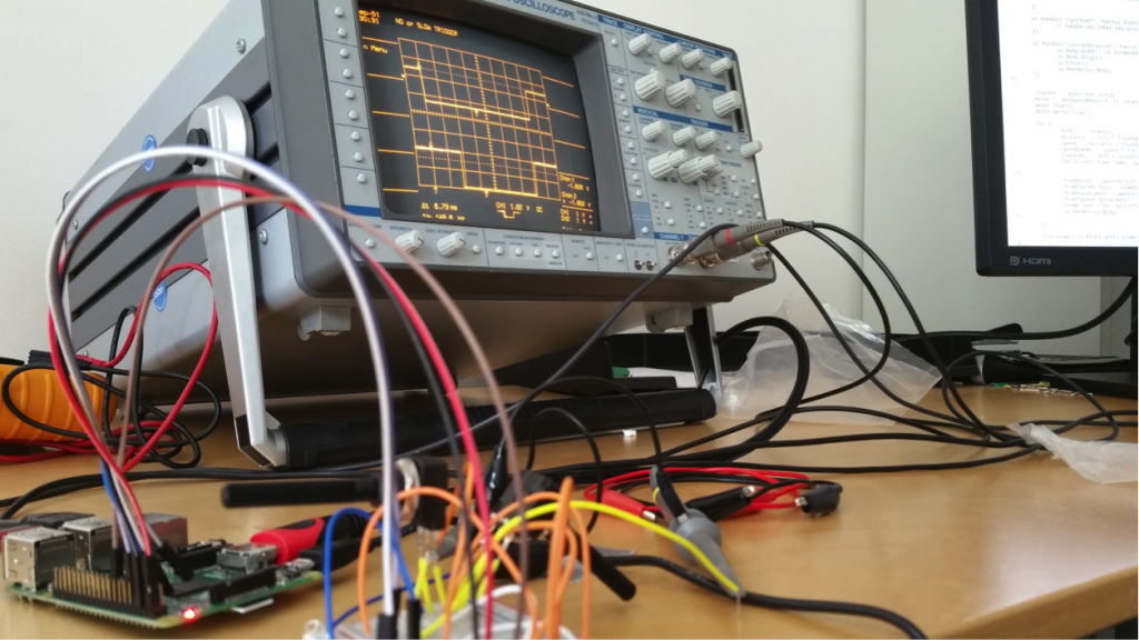 Measuring pin voltage with an oscilloscope