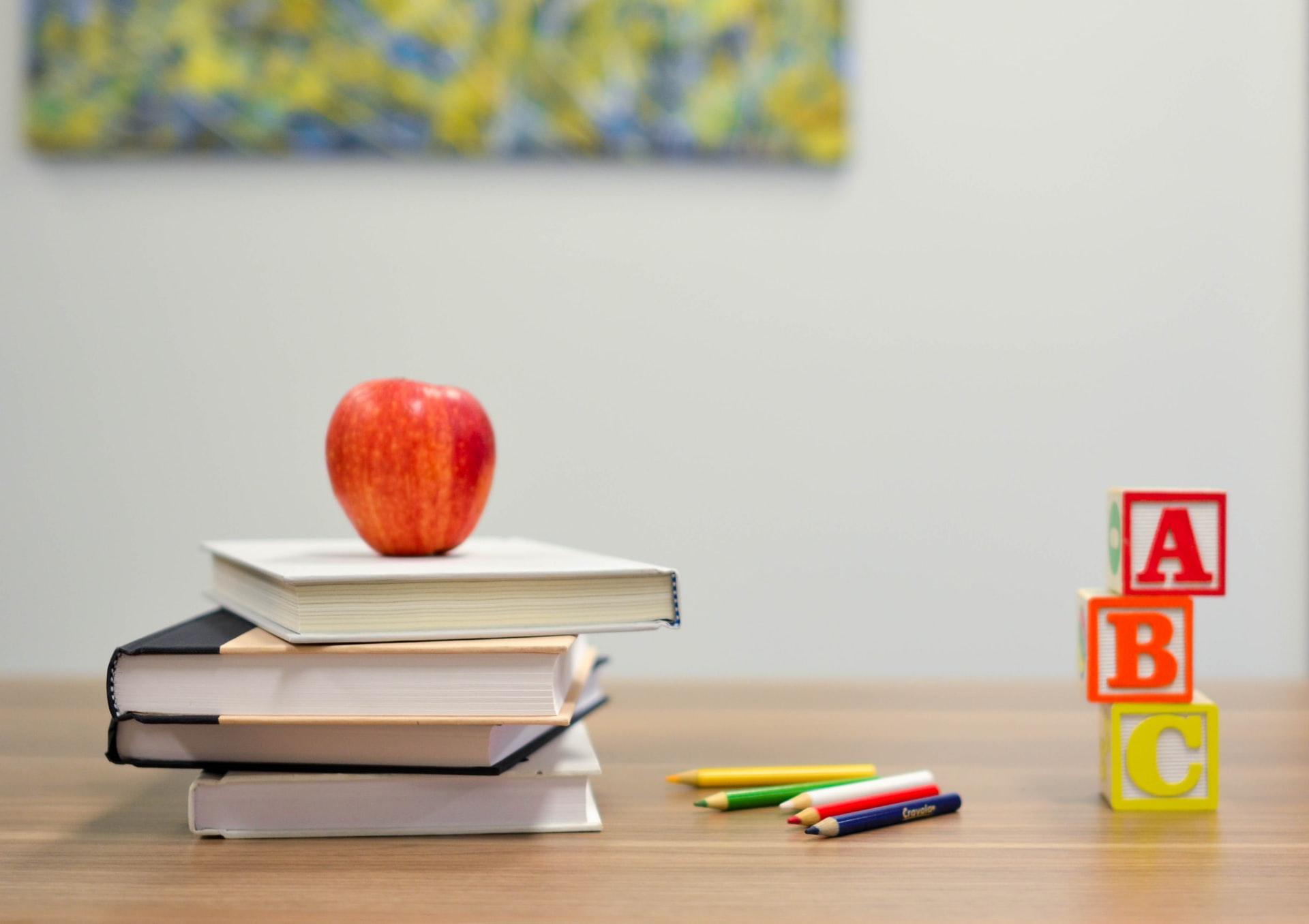 Schulmaterial in Klassenzimmer - Titelbild fuer Schulverlag.ch Magento Shop mit Sammelbestellungen im Schulwesen - insign gmbh